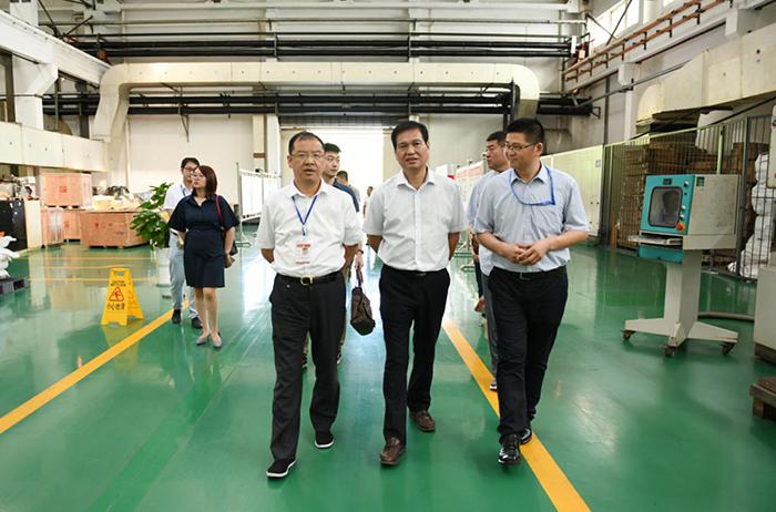 海南橡胶集团副总裁参观考察五粮液集团