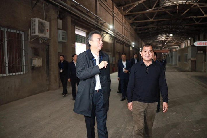 四川中烟公司总经理带队考察五粮液集团
